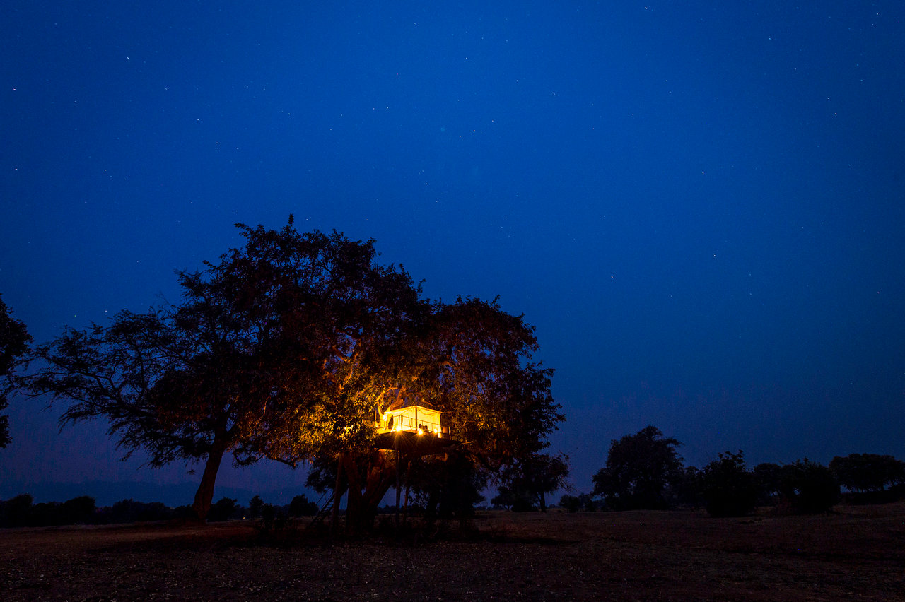 Ruckomechi, sleep out tent, Mana Pools