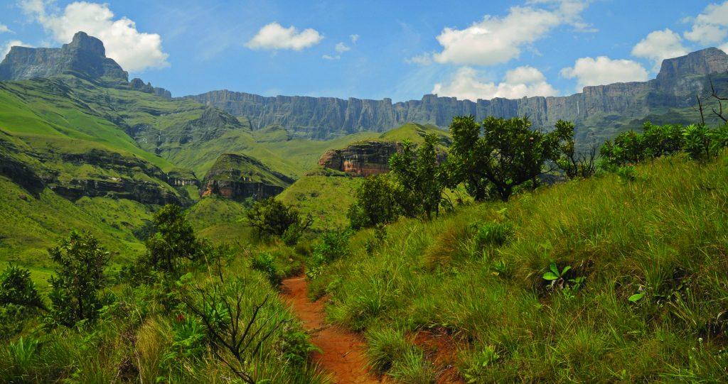 Made in Africa Tours & Safaris - Berg & Bush Self - Drakensberg Amphitheatre
