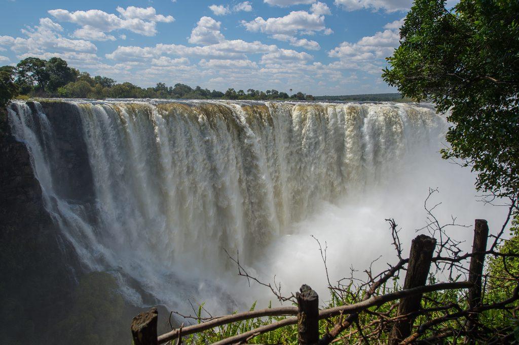 Victoria Falls - Zimbabwe & Botswana Budget Lodge Safari