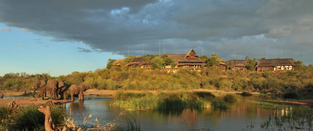 Victoria_Falls_Safari_Lodge_