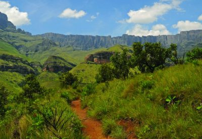 Walking holiday South Africa Drakensberg