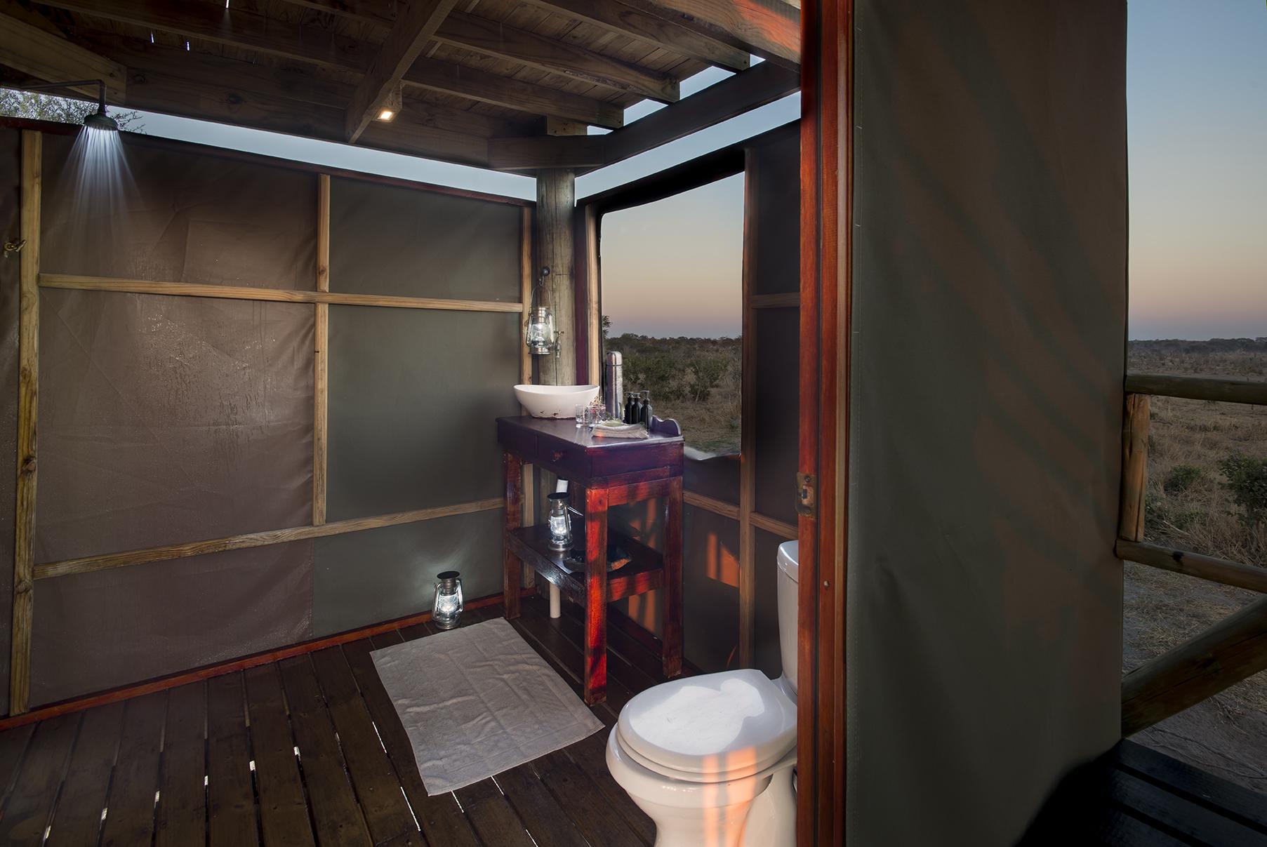 20skybeds_-_bathroom