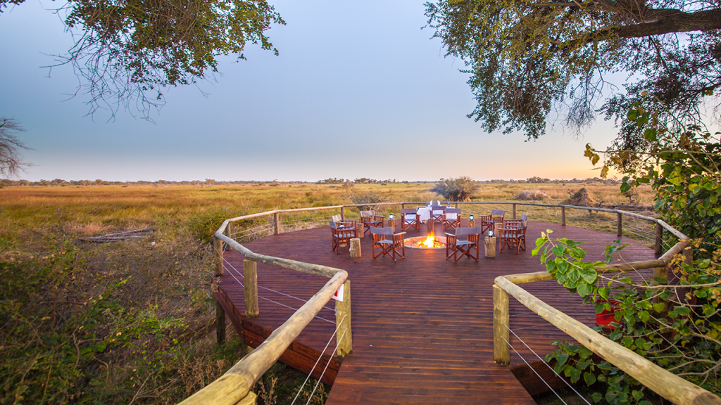Botswana-Roundabout---Rra-Dianre-Camp-floodplain-viewing-deck