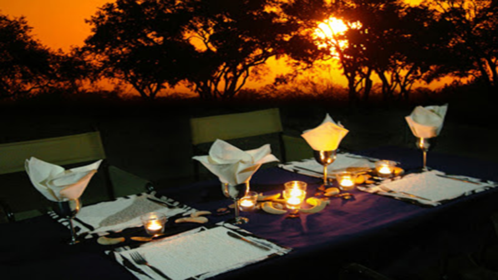Kalahari-Luxury-Camping-Safari---luxury-camping-dinner-table